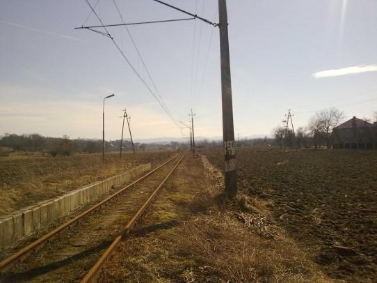 Przystanek osobowy w Trzebieńczycach, widok w kierunku Wadowic